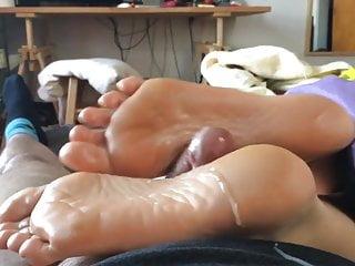 Soles Umgekehrter Footjob Cum Cum on
