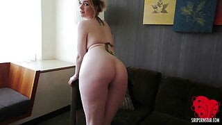 Perfect PAWG Siri Pornstar Rubs Her Clit In The Hotel Room!