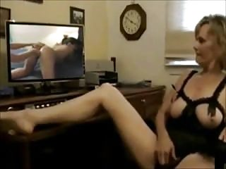 Watch online free lesbians porn Mature wife masturbates while watching lesbian porn