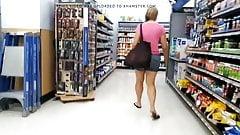 White milf fetish big legs in lil shorts