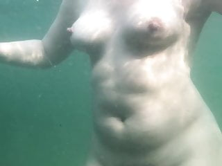 Naked women swim - Underwater naked swim