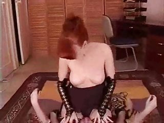 Different top and bottom Sniffing reds pussy and bottom
