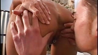 Horny dude scores with a MILF hottie