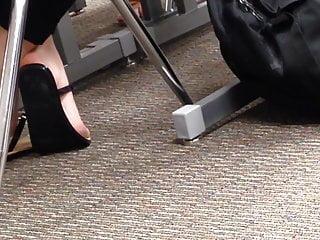 College cheerleader lesbian Candid college cheerleader feet in class 1