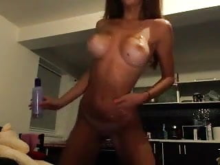 Oil sexy Sexy babe oils up plays on cam