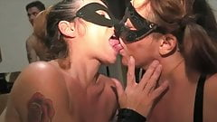 Cum Kissing and Swapping the gold