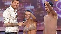 Cinthia Fernandez baila el Adagio con hilo dental