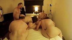 Свинг-вечеринка для любителей толстушек