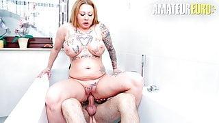 AMATEUR EURO – German Wife Justyna C. Has Bathtub Sex With Hubby