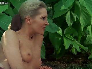 Catherine Rivet  nackt
