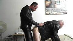 baise avec mon pote motard