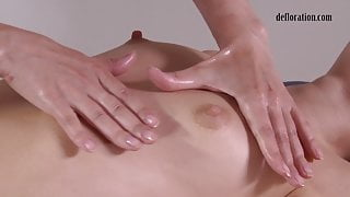 Russian babe Jankovska gets her virgin pussy rubbed
