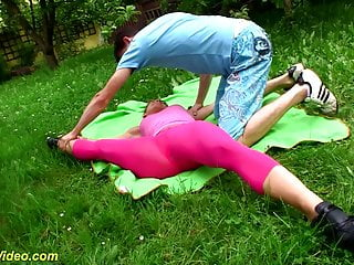 Teen gymnast thumbnail gallery - Outdoor flexi sex with cute teen gymnast