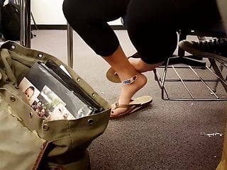 Flip flops porn feet Candid smooth college feet in flip flops in classroom