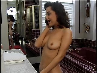 Ho to masturbate - Cute sexy ho shaving her pussy