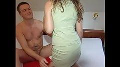 Geile Ehefrau bumst mit Mann nach der Arbeit