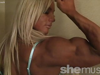 Teen muscle girl pose Powerful muscle blonde poses and flexes her muscles