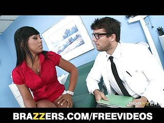 Docters fucking patient m0vies - Brazzers - hot ebony patient leilani leeane fucks her doctor