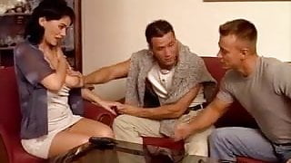 Mature wife double-vag penetrated by young studs