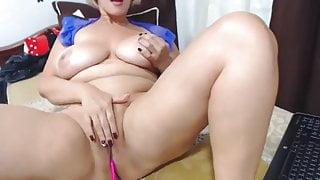 Blonde huge boobs mom, solo webcam masturbation