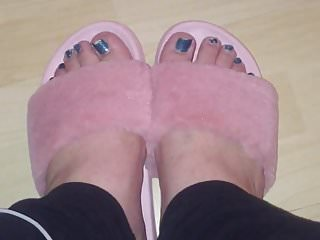 Pantyhose and slippers fetish - Kittys pretty feet in slippers