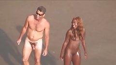 Виньетки на нудистском пляже 23