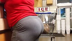 Phat Mature Ass in Grey Sweats (Checkout Line)