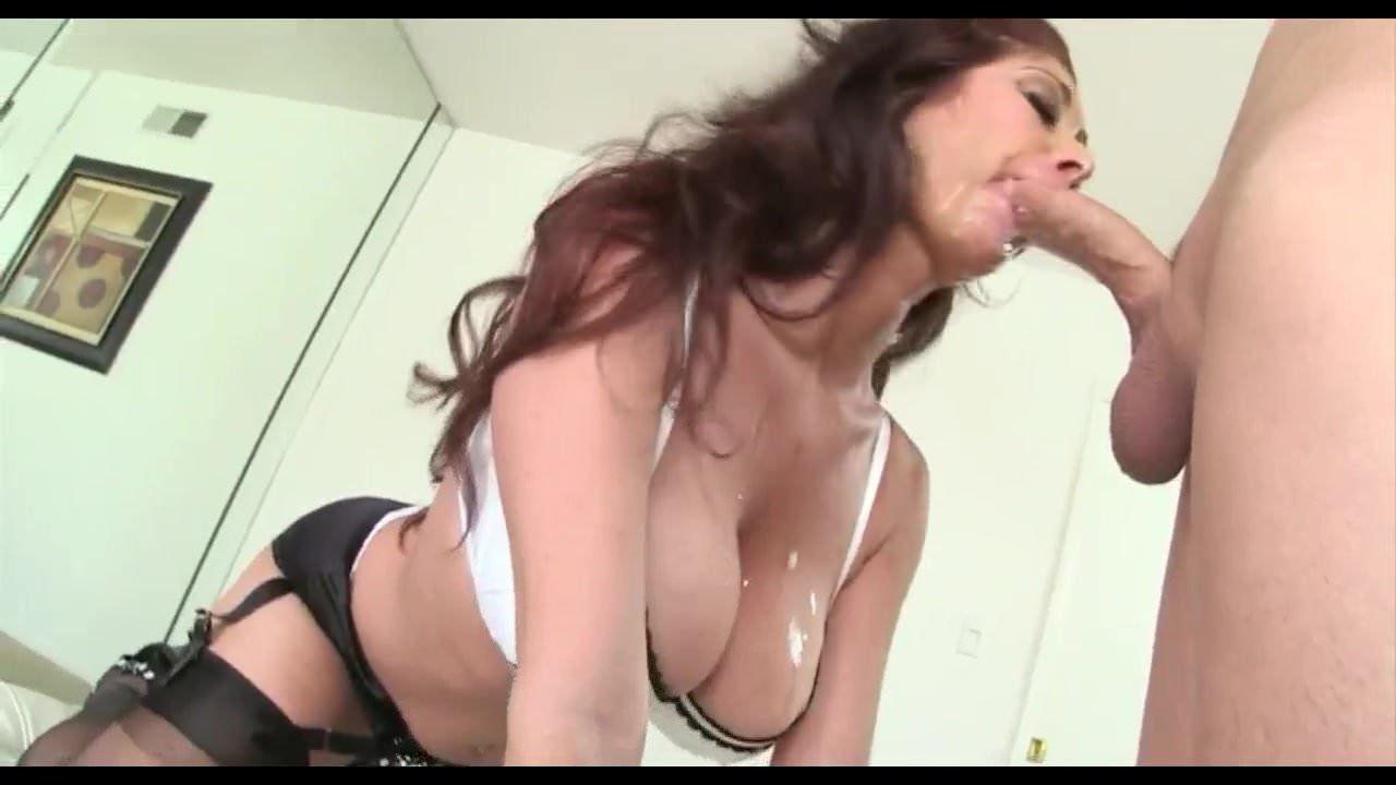 Amateur Shower Blowjob Swallow