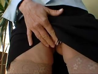 Nudist daughter pee yard - Milf robin pachino gets bbc in the yard as hubby watches