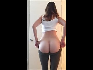 Homemade fat porn - 19yr old college girl showing off her fat ass