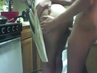 Dane cooks ass - Slut gets her brain fucked out in the kitchen while cooking