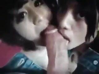 Young blonde teen sucking cock - Amateur young girlfriend teen sucking cock