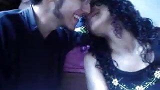 Amateur Couple kissing