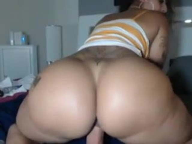 Thick Latina Dildo Ride Squirt