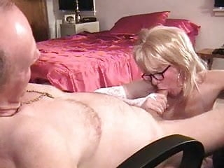 Hot Blonde Mature Milf Shows Her Fucking Skill At An