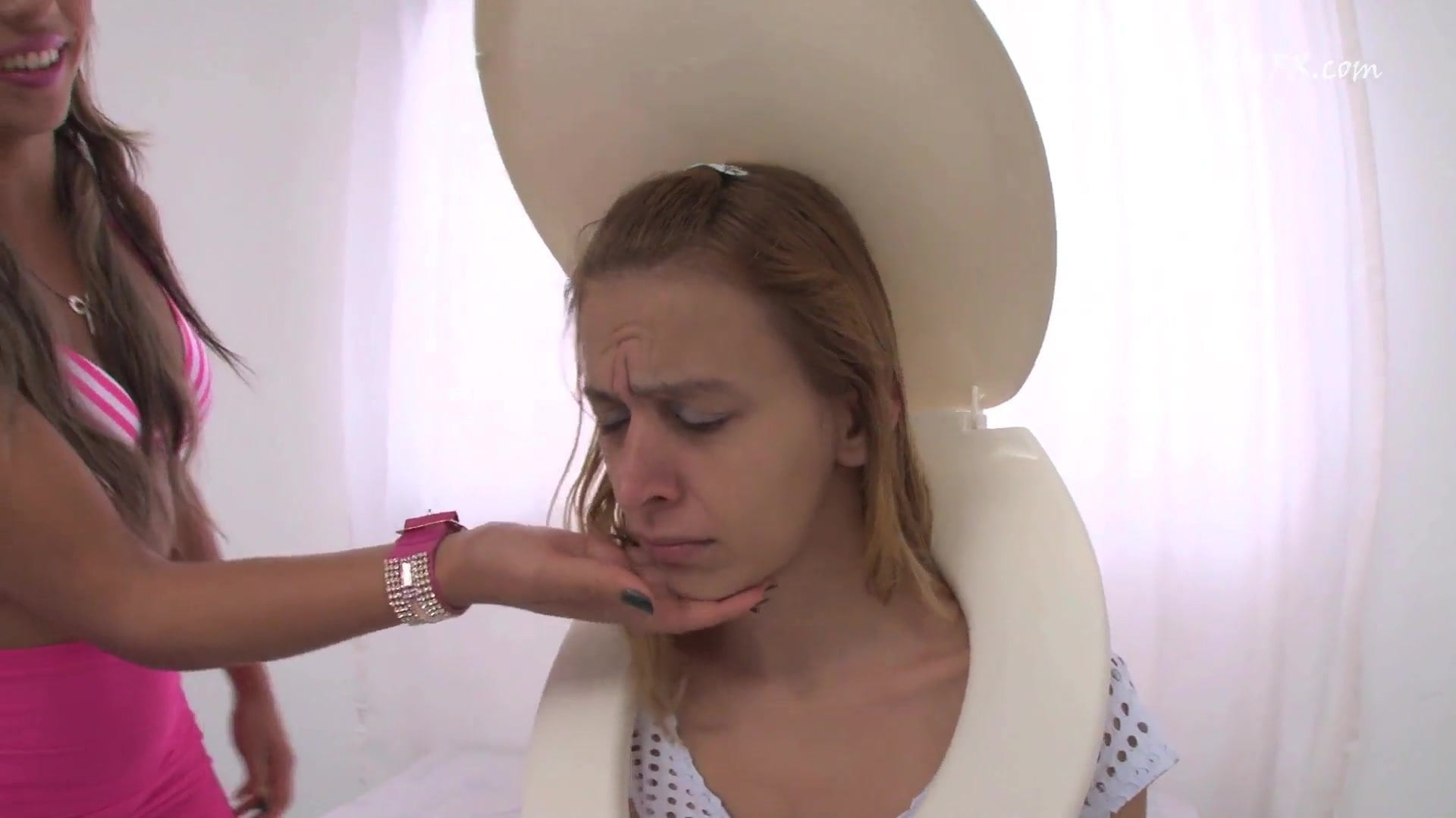 Brazilian Lesbian Face Farting