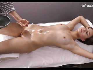 Russian girl virgin - Jeniffer being first time virgin massaged