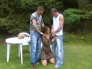 Pornoxo crossdresser tranny - Bareback bisexual threesome in the park with a tranny