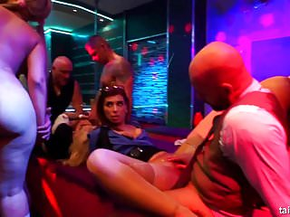 Gay club dancing - Naked babes dancing and fucking in club