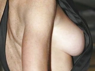 Linsday lohan tits pics Lindsay lohan uncovered