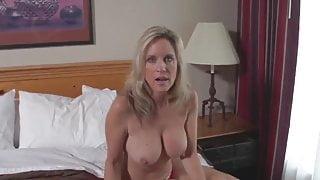 Blonde mature let me cum in her pussy