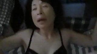 Doing best friend's stepmom in silence (POV Japanese)