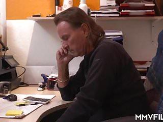 Mechanic cock suck gay video Mechanic fixing german moms holes