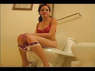 Peeing bikini Sexy girl peeing