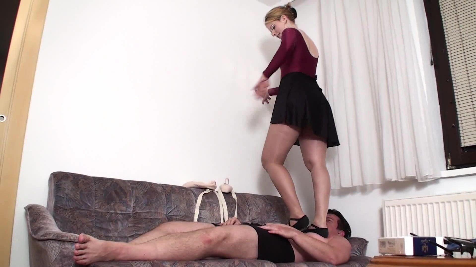 Free Ballerina Trampling Porn Galery