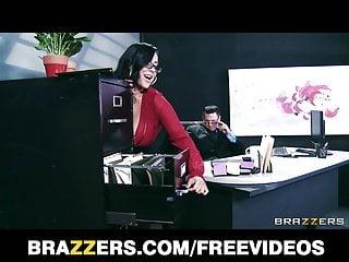 Fucking tge boss Big-tit lingerie clad assistant kiara mia fucks her boss