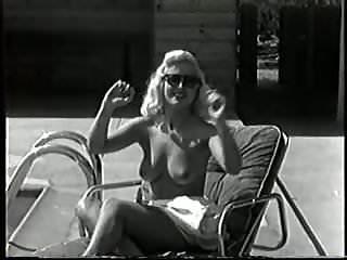 Vintage blonde bombshells nude - The blonde bombshell