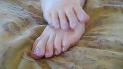Anyone know her name? (Feet JOI)