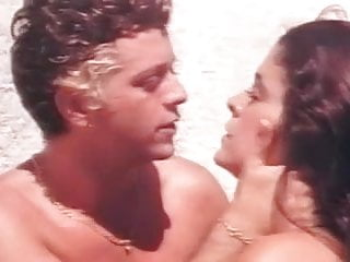Alonso maria nude Maria conchita alonso - savana, sesso e diamanti 1978