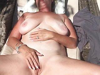 Jennifer anniston nude sunbathing - Sunbathing nude masturbation